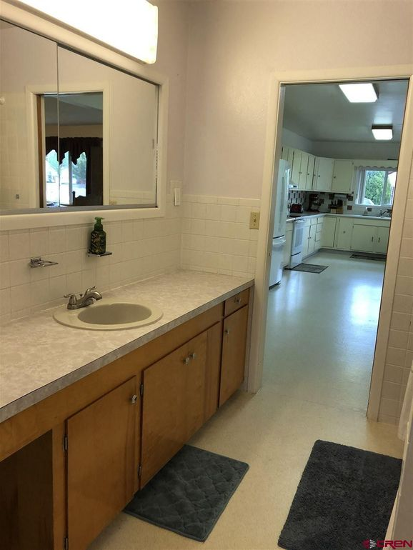 bathroom of 441 S 7th Street, Montrose
